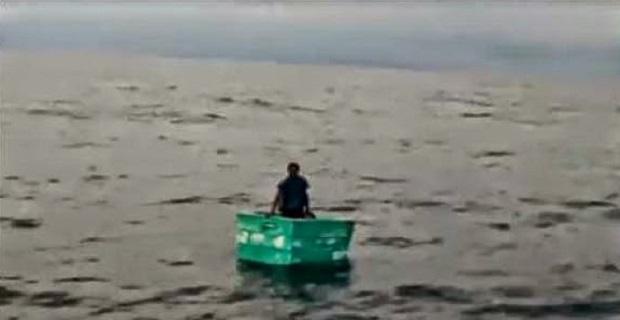 Nαυαγός «σώθηκε» τρώγοντας γλάρους [video] - e-Nautilia.gr   Το Ελληνικό Portal για την Ναυτιλία. Τελευταία νέα, άρθρα, Οπτικοακουστικό Υλικό