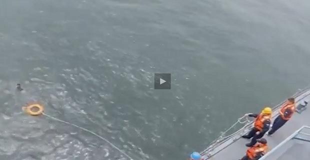 ΑΠΙΣΤΕΥΤΟ: Ναυαγός επιβίωσε στο νερό για δύο ημέρες! [video+pics] - e-Nautilia.gr | Το Ελληνικό Portal για την Ναυτιλία. Τελευταία νέα, άρθρα, Οπτικοακουστικό Υλικό