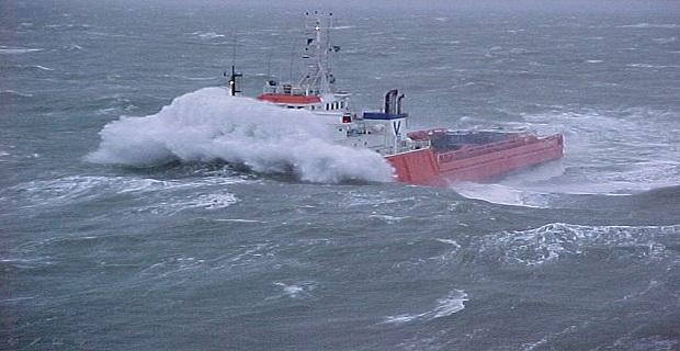 ship_storm_waves_