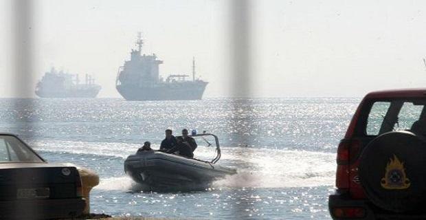 Επιχείρηση διάσωσης χωρίς σωσίβια στο λιμενοβραχίονα! - e-Nautilia.gr   Το Ελληνικό Portal για την Ναυτιλία. Τελευταία νέα, άρθρα, Οπτικοακουστικό Υλικό
