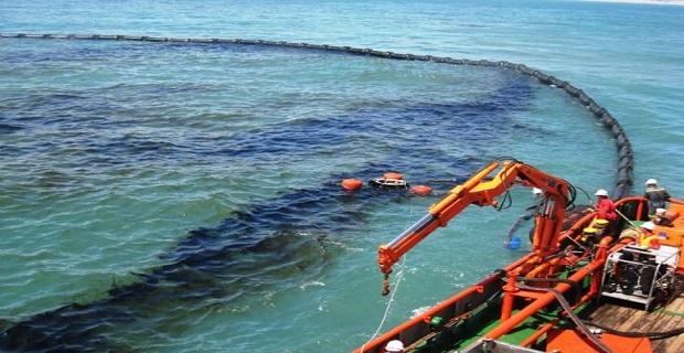 Θαλάσσια ρύπανση στον Πειραιά - e-Nautilia.gr | Το Ελληνικό Portal για την Ναυτιλία. Τελευταία νέα, άρθρα, Οπτικοακουστικό Υλικό