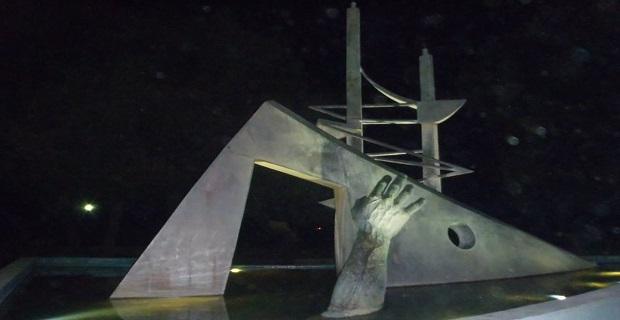 Δείτε τις φωτογραφίες του μνημείου για τις ψυχές του ναυαγίου του «Ηράκλειον» - e-Nautilia.gr | Το Ελληνικό Portal για την Ναυτιλία. Τελευταία νέα, άρθρα, Οπτικοακουστικό Υλικό