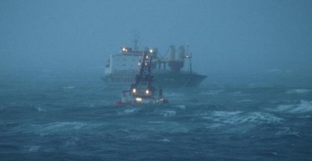 Δείτε φωτογραφίες με ρυμούλκηση ακυβέρνητου πλοίου! - e-Nautilia.gr | Το Ελληνικό Portal για την Ναυτιλία. Τελευταία νέα, άρθρα, Οπτικοακουστικό Υλικό