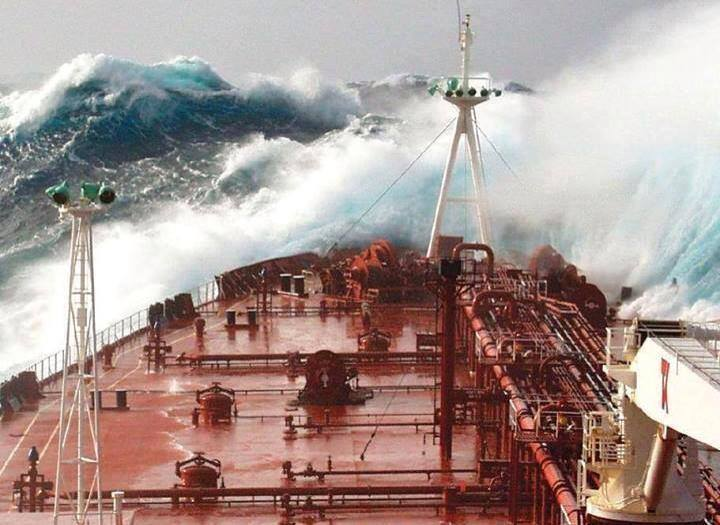 stormy_day_ship_