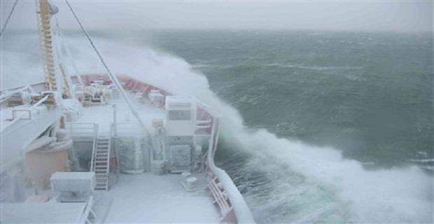 ship_waves_storm_