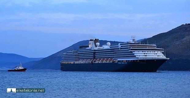 «Παρατράγουδα» στην άφιξη του πρώτου κρουαζιερόπλοιου στη Κεφαλονιά - e-Nautilia.gr | Το Ελληνικό Portal για την Ναυτιλία. Τελευταία νέα, άρθρα, Οπτικοακουστικό Υλικό