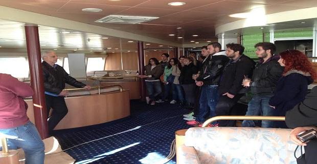 Εκπαιδευτική Επίσκεψη Του Τομέα Ναυτιλιακών Σπουδών  του Ι.ΙΕΚ ΞΥΝΗ ΓΛΥΦΑΔΑΣ στο πλοίο TERA JET - e-Nautilia.gr | Το Ελληνικό Portal για την Ναυτιλία. Τελευταία νέα, άρθρα, Οπτικοακουστικό Υλικό