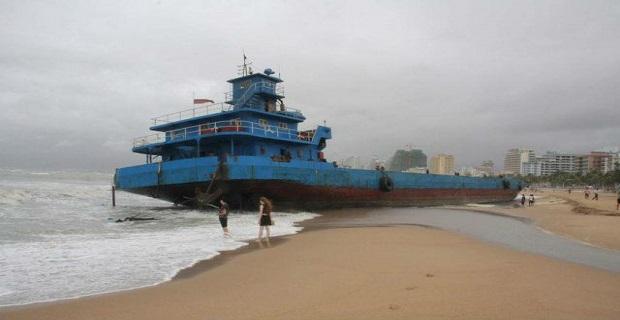 Τυφώνας ξέβρασε τρία πλοία στις ακτές της Κίνας[pics] - e-Nautilia.gr | Το Ελληνικό Portal για την Ναυτιλία. Τελευταία νέα, άρθρα, Οπτικοακουστικό Υλικό