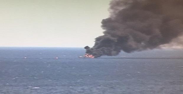 Στις φλόγες θαλαμηγός με 10 επιβάτες στα ανοικτά του Πειραιά[vid+pics] - e-Nautilia.gr   Το Ελληνικό Portal για την Ναυτιλία. Τελευταία νέα, άρθρα, Οπτικοακουστικό Υλικό