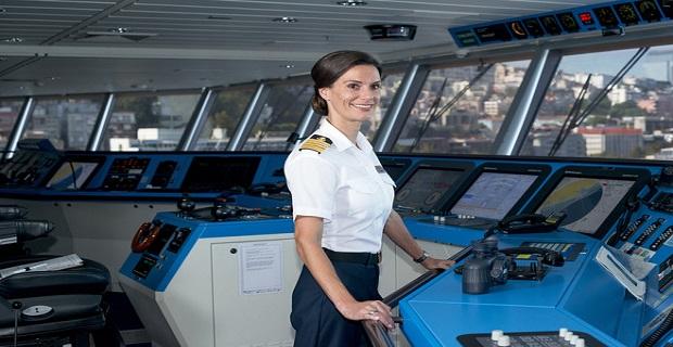 Η Kate McCue γράφει ιστορία ως η πρώτη γυναίκα στο πηδάλιο κρουαζιερόπλοιου - e-Nautilia.gr | Το Ελληνικό Portal για την Ναυτιλία. Τελευταία νέα, άρθρα, Οπτικοακουστικό Υλικό