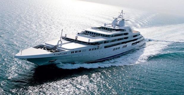 yacht-dubai-640