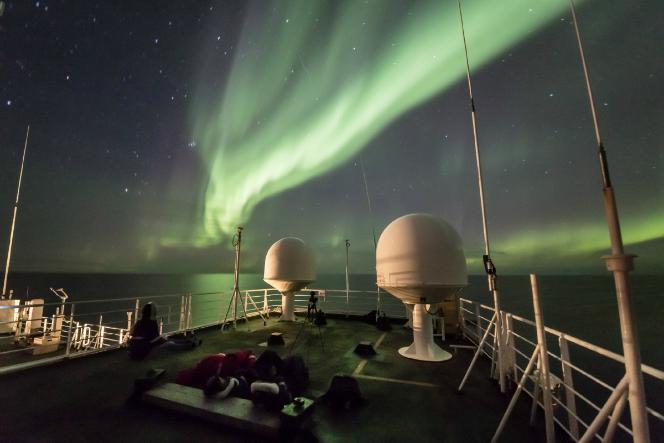 To ερευνητικό παγοθραυστικό Polarstern γύρισε από Αρκτική [pics] - e-Nautilia.gr | Το Ελληνικό Portal για την Ναυτιλία. Τελευταία νέα, άρθρα, Οπτικοακουστικό Υλικό