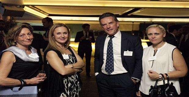 Ο  Mathieu Berrurier (Groupe Eyssautier) ανάμεσα στην Ιωάννα Υφαντή (Iolcos Hellenic Maritime)   και την Αθηνά Σιρίμη (Τhe London P&I Club)