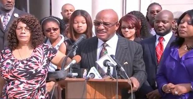 Ο δικηγόρος της οικογένειας του αγνοούμενου ναυτικού που κατέθεσε τη μήνυση