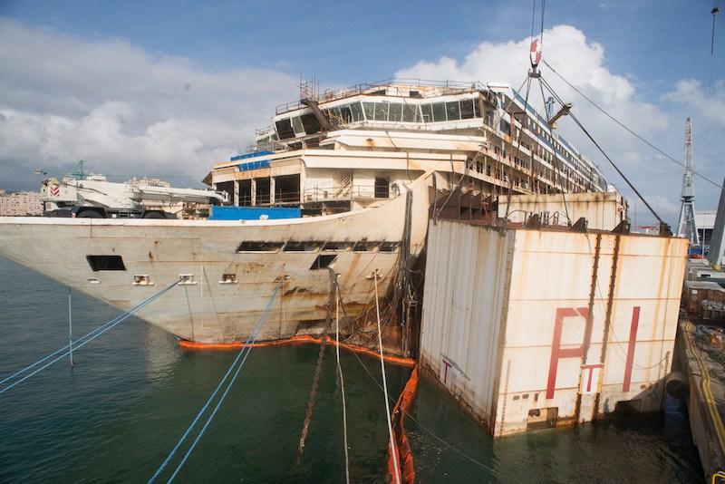 Μια ματιά στη διαδικασία διάλυσης του Costa Concordia [photos] - e-Nautilia.gr   Το Ελληνικό Portal για την Ναυτιλία. Τελευταία νέα, άρθρα, Οπτικοακουστικό Υλικό