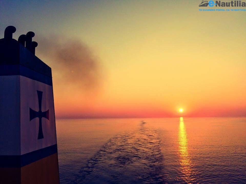 Εκπληκτική φωτογραφία με το μεγαλείο της θάλασσας στην αγαπημένη μας Μεσόγειο! - e-Nautilia.gr   Το Ελληνικό Portal για την Ναυτιλία. Τελευταία νέα, άρθρα, Οπτικοακουστικό Υλικό
