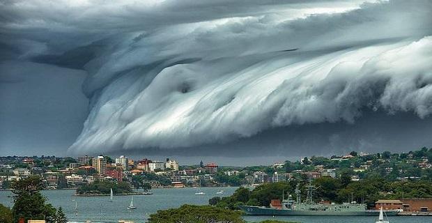 «Τρικυμία» από σύννεφα στον ουρανό του Σίδνεϊ [vid+pics] - e-Nautilia.gr | Το Ελληνικό Portal για την Ναυτιλία. Τελευταία νέα, άρθρα, Οπτικοακουστικό Υλικό