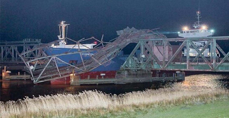 Πλοίο διέλυσε σιδηροδρομική γέφυρα στη Γερμανία (Video) - e-Nautilia.gr | Το Ελληνικό Portal για την Ναυτιλία. Τελευταία νέα, άρθρα, Οπτικοακουστικό Υλικό