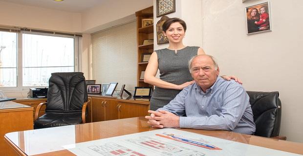 """Με τον πατέρα της Γιώργο Σπανό, ιδρυτή και πρόεδρο της """"Dodekanisos Seaways"""""""