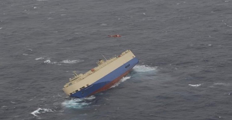 Εγκατάλειψη πλοίου που πήρε μεγάλη κλίση στο Βισκαϊκό Κόλπο (video) - e-Nautilia.gr | Το Ελληνικό Portal για την Ναυτιλία. Τελευταία νέα, άρθρα, Οπτικοακουστικό Υλικό