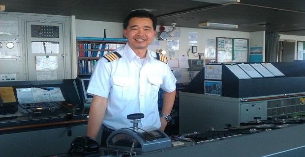 Η συγκλονιστική ιστορία του ανθρώπου που διασώθηκε από καράβι της Maersk και 34 χρόνια μετά έγινε καπετάνιος στο στόλο της! - e-Nautilia.gr   Το Ελληνικό Portal για την Ναυτιλία. Τελευταία νέα, άρθρα, Οπτικοακουστικό Υλικό