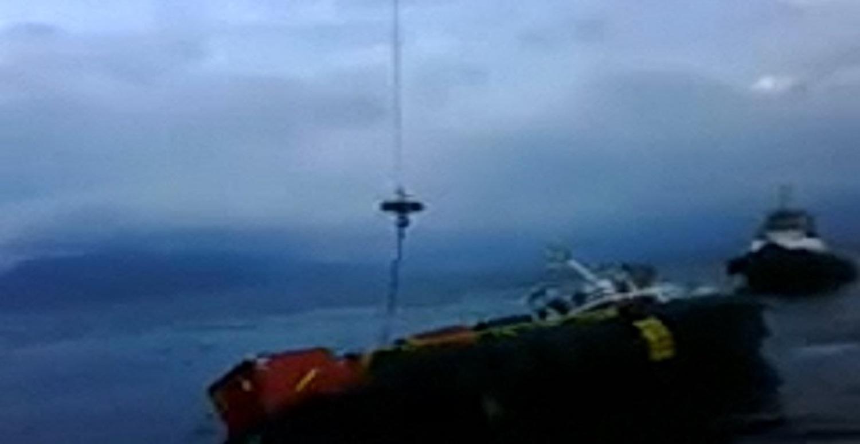 Πλοίο εφοδιασμού γλιτώνει την τελευταία στιγμή την ανατροπή! (Video) - e-Nautilia.gr | Το Ελληνικό Portal για την Ναυτιλία. Τελευταία νέα, άρθρα, Οπτικοακουστικό Υλικό