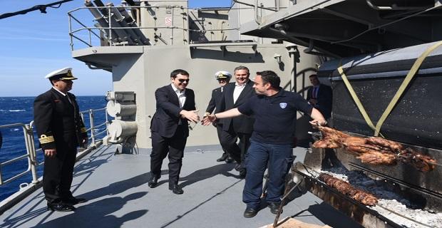 Ο Τσίπρας στη φρεγάτα του Πολεμικού Ναυτικού «Αδρίας»[pics] - e-Nautilia.gr | Το Ελληνικό Portal για την Ναυτιλία. Τελευταία νέα, άρθρα, Οπτικοακουστικό Υλικό