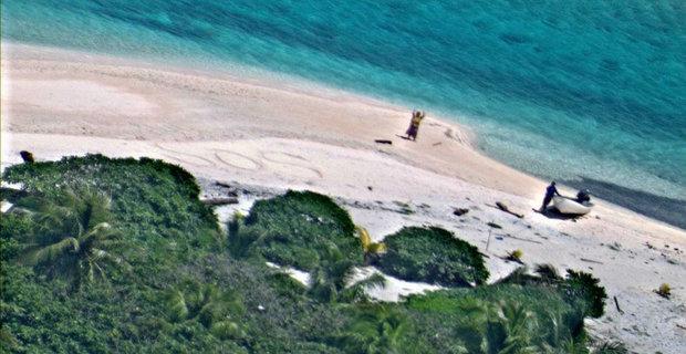 Ναυτικοί σώθηκαν γράφοντας SOS στην άμμο - e-Nautilia.gr   Το Ελληνικό Portal για την Ναυτιλία. Τελευταία νέα, άρθρα, Οπτικοακουστικό Υλικό