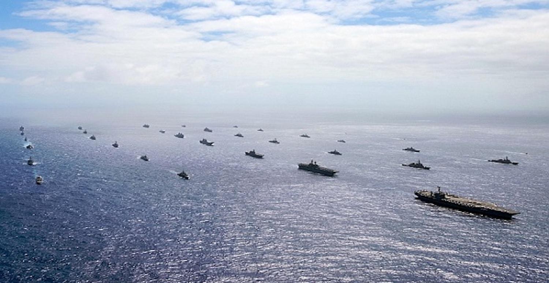 40 πολεμικά πλοία και υποβρύχια πλέουν σε τέλειο σχηματισμό (video) - e-Nautilia.gr | Το Ελληνικό Portal για την Ναυτιλία. Τελευταία νέα, άρθρα, Οπτικοακουστικό Υλικό