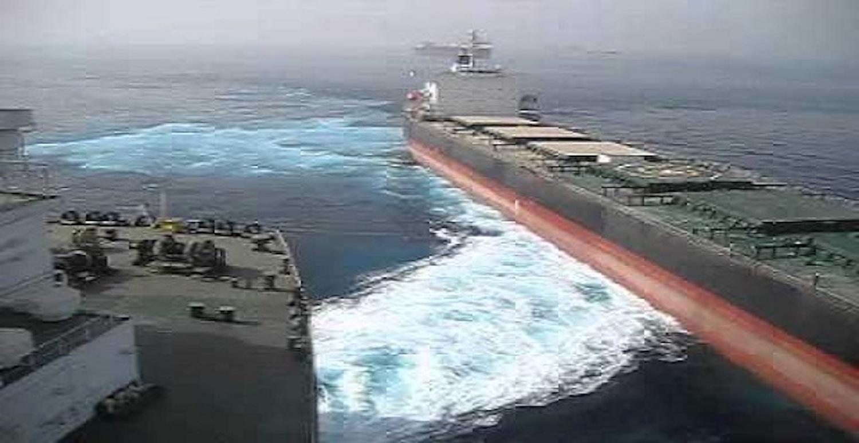 Δείτε την παραλίγο σύγκρουση ενός VLCC κι ενός πλοίου χύδην φορτίου (video) - e-Nautilia.gr | Το Ελληνικό Portal για την Ναυτιλία. Τελευταία νέα, άρθρα, Οπτικοακουστικό Υλικό