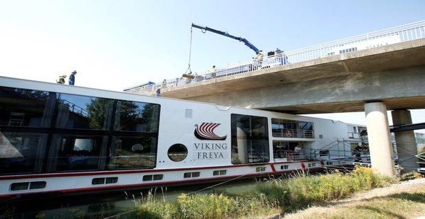 Δύο νεκροί από συγκρουση κρουαζιερόπλοιου με γέφυρα στη Γερμανία (photos + video) - e-Nautilia.gr   Το Ελληνικό Portal για την Ναυτιλία. Τελευταία νέα, άρθρα, Οπτικοακουστικό Υλικό