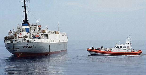 Πρόσφυγες πλήρωσαν για να επιβιβαστούν σε πλοίο μεταφοράς ζώων - e-Nautilia.gr | Το Ελληνικό Portal για την Ναυτιλία. Τελευταία νέα, άρθρα, Οπτικοακουστικό Υλικό
