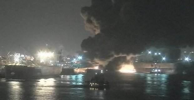 Ελληνόκτητο τάνκερ τυλίγεται στις φλόγες στο κανάλι του Χιούστον (video) - e-Nautilia.gr | Το Ελληνικό Portal για την Ναυτιλία. Τελευταία νέα, άρθρα, Οπτικοακουστικό Υλικό
