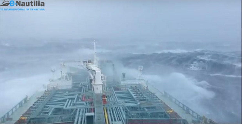 Για τους Έλληνες ναυτικούς, για την λεβεντιά και περηφάνια τους (Video) - e-Nautilia.gr | Το Ελληνικό Portal για την Ναυτιλία. Τελευταία νέα, άρθρα, Οπτικοακουστικό Υλικό