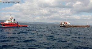 Αποκολλήθηκε το φορτηγό πλοίο που προσάραξε στην Λέσβο [pics]