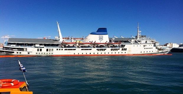 Οριστική απομάκρυνση του πλοίου «Παναγία Τήνου» από τον Πειραιά - e-Nautilia.gr | Το Ελληνικό Portal για την Ναυτιλία. Τελευταία νέα, άρθρα, Οπτικοακουστικό Υλικό
