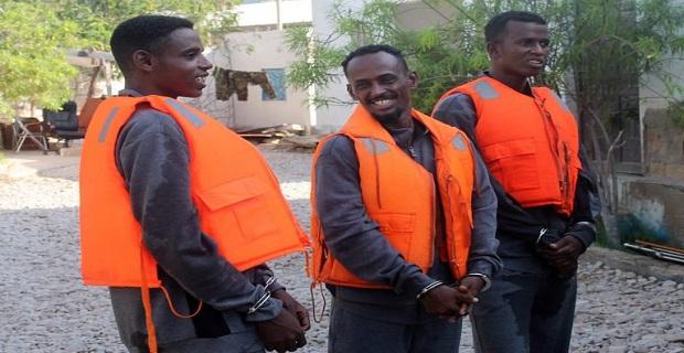 Το Κινέζικο ναυτικό παρέδωσε τρεις πειρατές στην Σομαλία - e-Nautilia.gr | Το Ελληνικό Portal για την Ναυτιλία. Τελευταία νέα, άρθρα, Οπτικοακουστικό Υλικό
