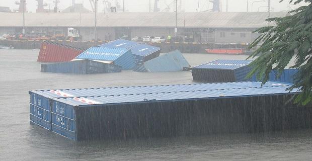 Κοντέινερ επιπλέουν στο λιμάνι των Φίτζι μετά από βύθιση πλοίου (photos) - e-Nautilia.gr | Το Ελληνικό Portal για την Ναυτιλία. Τελευταία νέα, άρθρα, Οπτικοακουστικό Υλικό