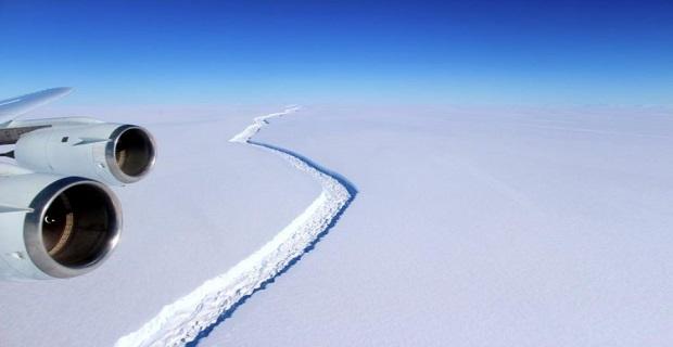 Ανησυχία στην παγκόσμια ναυτιλία για το γιγάντιο παγόβουνο που αποκολλήθηκε (video) - e-Nautilia.gr | Το Ελληνικό Portal για την Ναυτιλία. Τελευταία νέα, άρθρα, Οπτικοακουστικό Υλικό
