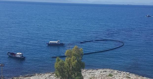 Συνεχίζεται με εντατικούς ρυθμούς η επιχείρηση απορρύπανσης του Σαρωνικού - e-Nautilia.gr | Το Ελληνικό Portal για την Ναυτιλία. Τελευταία νέα, άρθρα, Οπτικοακουστικό Υλικό