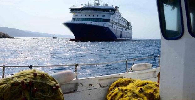 Η πρώτη επιχείρηση αποκόλλησης του «Blue Star Patmos» [live] - e-Nautilia.gr | Το Ελληνικό Portal για την Ναυτιλία. Τελευταία νέα, άρθρα, Οπτικοακουστικό Υλικό
