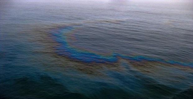 Θαλάσσια ρύπανση από την ημιβύθιση του φορτηγού αμμοληπτικού πλοίου - e-Nautilia.gr | Το Ελληνικό Portal για την Ναυτιλία. Τελευταία νέα, άρθρα, Οπτικοακουστικό Υλικό