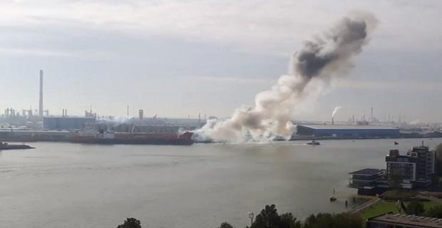 Έκρηξη και πυρκαγιά σε δεξαμενόπλοιο στο Ρότερνταμ [βίντεο] - e-Nautilia.gr | Το Ελληνικό Portal για την Ναυτιλία. Τελευταία νέα, άρθρα, Οπτικοακουστικό Υλικό
