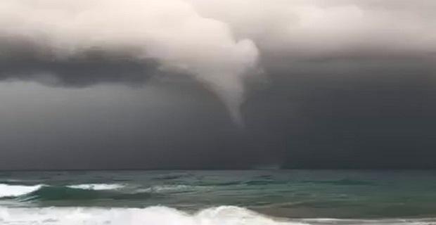 Υδροστρόβιλος χτύπησε το Γεράνι Χανίων [βίντεο] - e-Nautilia.gr | Το Ελληνικό Portal για την Ναυτιλία. Τελευταία νέα, άρθρα, Οπτικοακουστικό Υλικό