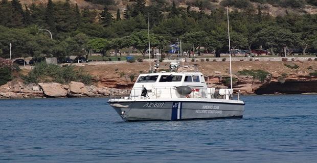 Εισροή υδάτων σε περιπολικό σκάφος του Λιμενικού Σώματος στη Σύρο - e-Nautilia.gr | Το Ελληνικό Portal για την Ναυτιλία. Τελευταία νέα, άρθρα, Οπτικοακουστικό Υλικό