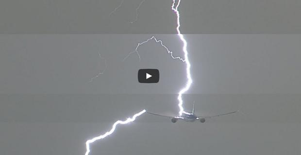 Κεραυνός χτυπά ένα Boeing 777 που μόλις έχει απογειωθεί! [βίντεο] - e-Nautilia.gr | Το Ελληνικό Portal για την Ναυτιλία. Τελευταία νέα, άρθρα, Οπτικοακουστικό Υλικό