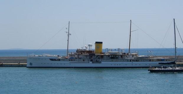 Το ιστορικό SS Delphine του 1921 στη Μαρίνα Ζέας [βίντεο] - e-Nautilia.gr | Το Ελληνικό Portal για την Ναυτιλία. Τελευταία νέα, άρθρα, Οπτικοακουστικό Υλικό