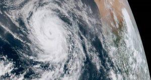 Ο κυκλώνας Φλόρενς πλησιάζει σήμερα τις ανατολικές ακτές των ΗΠΑ