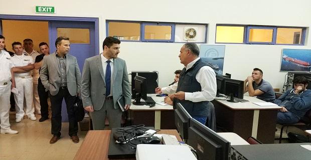 Επίσκεψη στο ΚΕΣΕΝ του Γενικού Γραμματέα του Υπουργείου Ναυτιλίας και Νησιωτικής Πολιτικής [φωτο] - e-Nautilia.gr | Το Ελληνικό Portal για την Ναυτιλία. Τελευταία νέα, άρθρα, Οπτικοακουστικό Υλικό