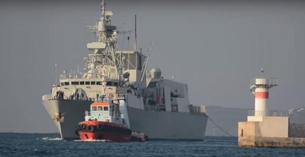Γέμισε από πολεμικά πλοία το λιμάνι του Πειραιά [βίντεο]